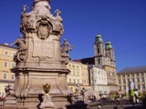 How to book a bus for sightseeing bus tours in Linz?